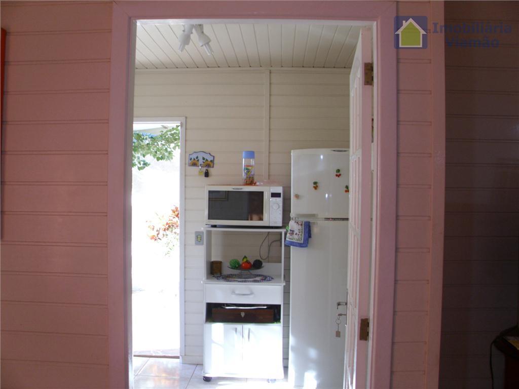 excelente casa mista de 2 pavimentos com 2 dormitórios, 2 banheiros, living 2 ambientes, área de...