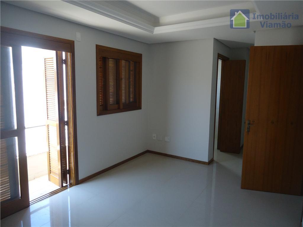 linda casa de 3 andares em condomínio fechado, com 3 quartos, um deles sendo suite, 4...