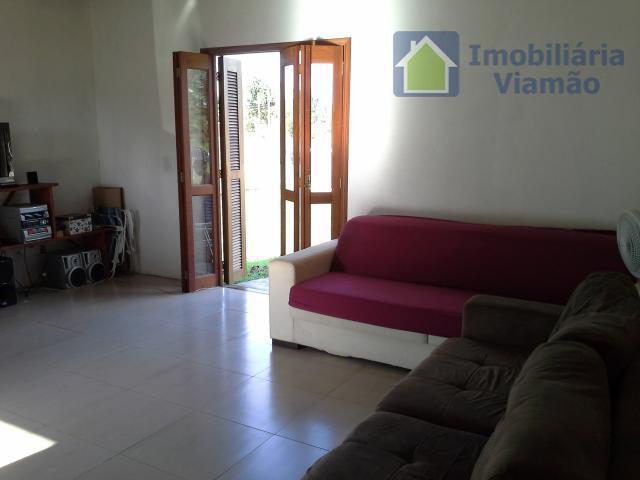 casa maravilhosa com peças muito bem distribuídas e lugar privilegiado, de muito bom gosto e típico...