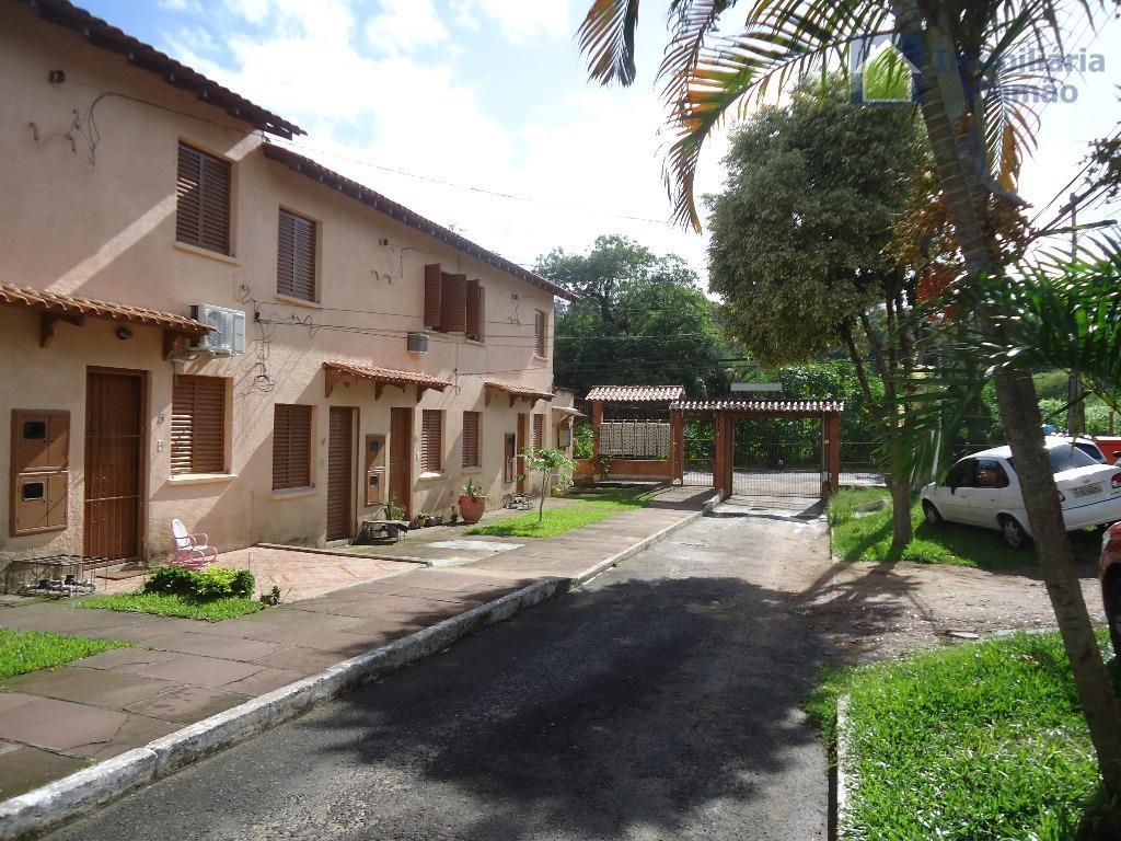 Sobrado residencial à venda, Agronomia, Porto Alegre.