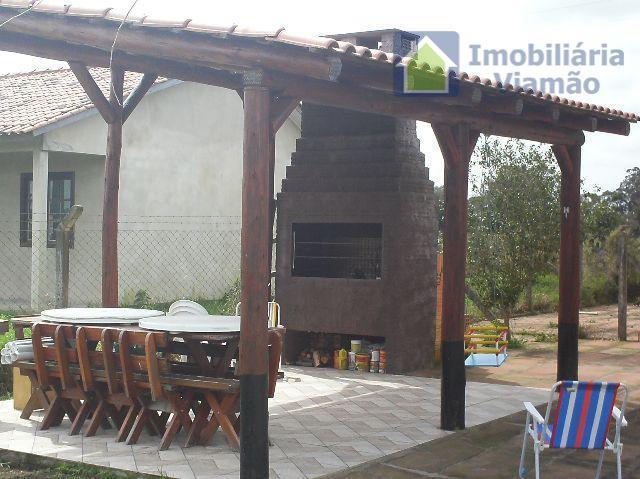 bela casa num dos condomínios mais valorizados da região,segurança 24 horas, ruas pavimentadas, galpão de uso...