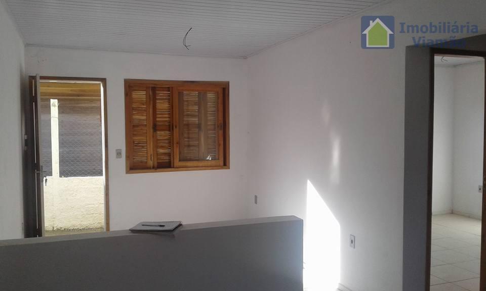 casa novinha, com 2 dormitórios, sala, cozinha, banheiro, garagem para seu automóvel e uma área de...