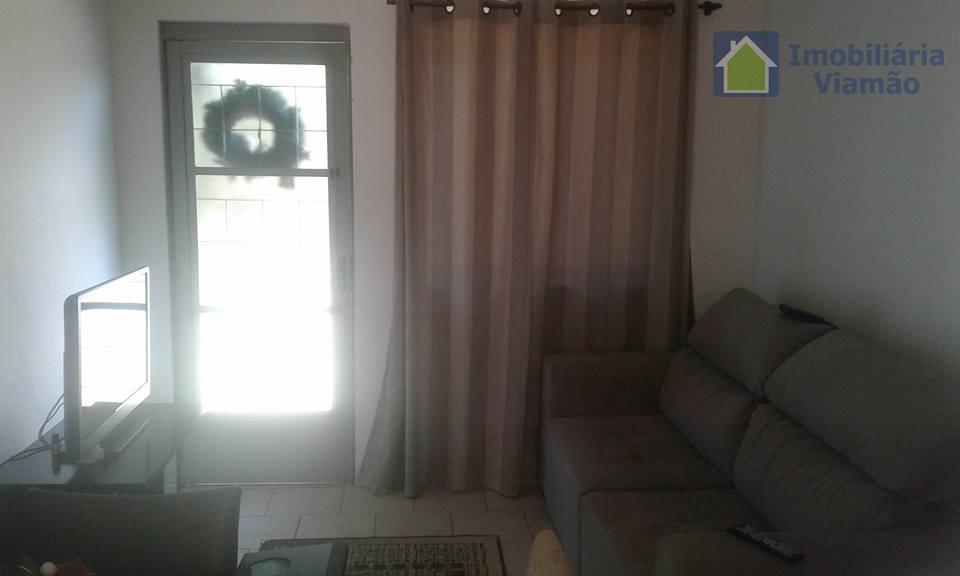 casa linda, com 2 dormitórios, espaço living (sala e cozinha conjugados), um banheiro, área de serviço,...