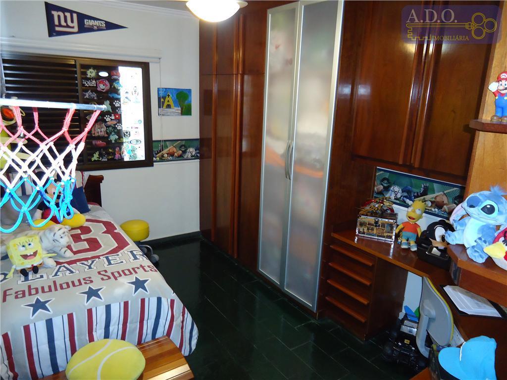 ótimo apartamento em sol da manhã, sala 2 ambientes com sacada e vista panorâmica, banheiro social...