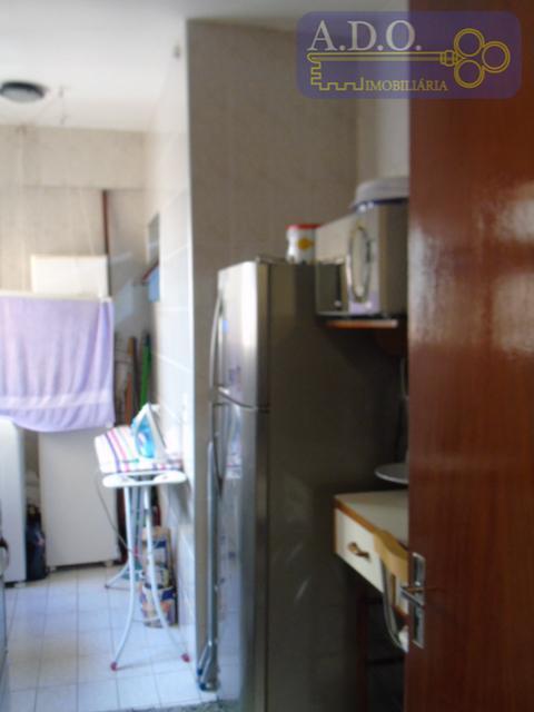 apartamento com excelente localização, ótimo estado de conservação, pintado recentemente. armários em todos os cômodos, piso...