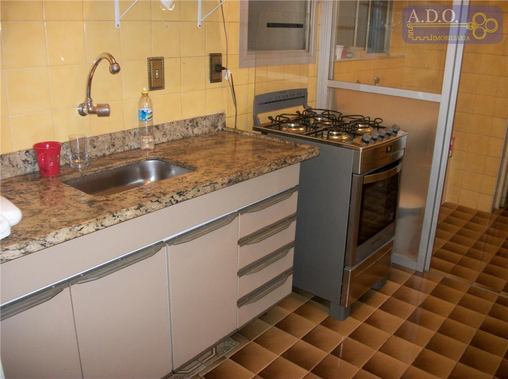 botafogo/r.culto a ciência;sala 2 ambientes: piso carpete madeira; 1 dormitório: piso carpete madeira, armário embutido; banheiro...