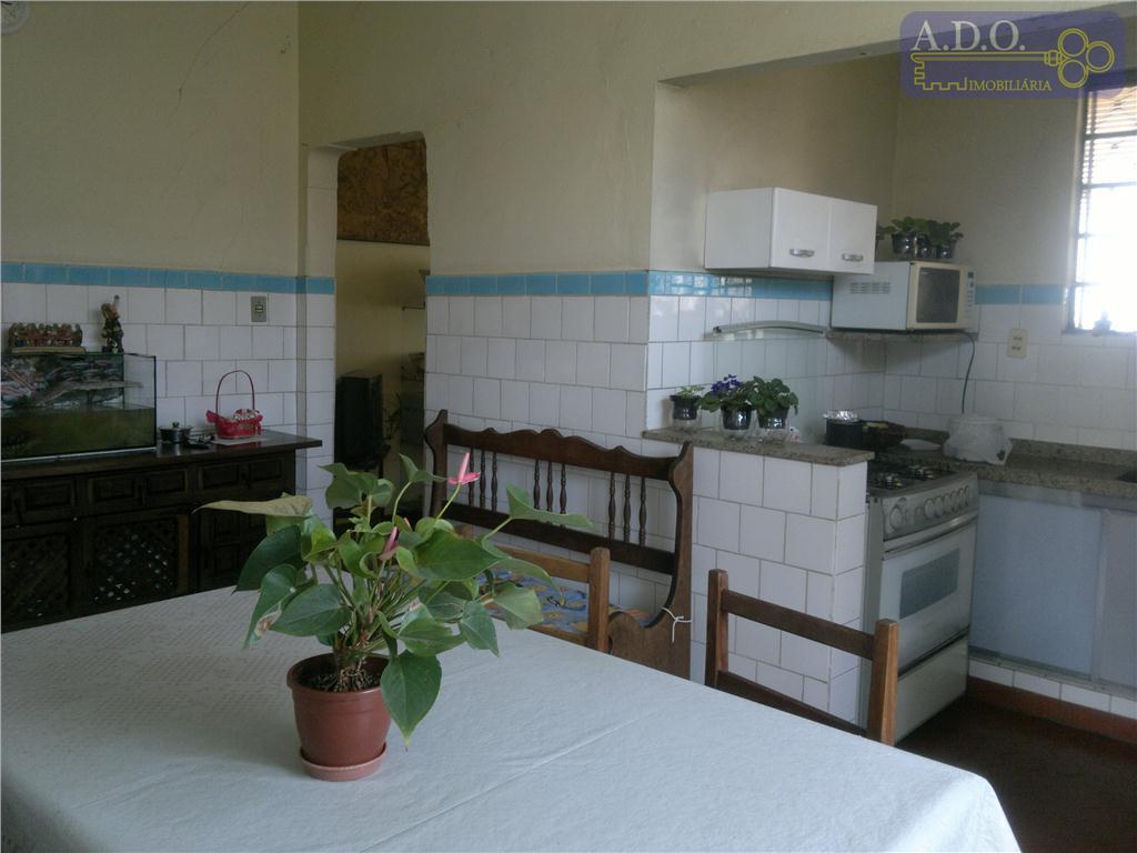 casa antiga - terreno com 405,00 m2 - área constr. de 135,20 m2 . 03 amplos dorms...