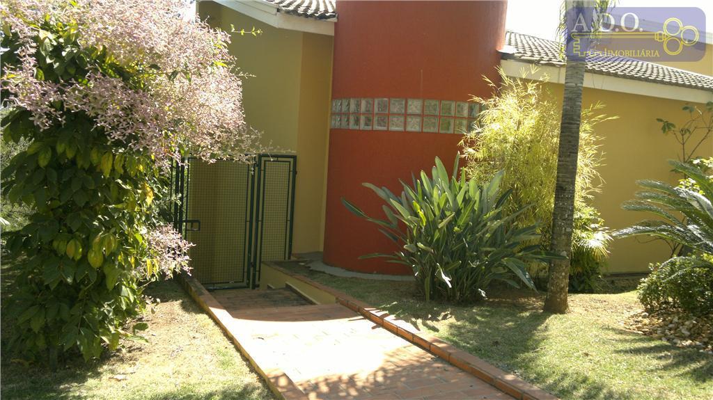 magnifica residencia com 04 dorms (2 suítes - uma master com hidro e clouset - sacada...