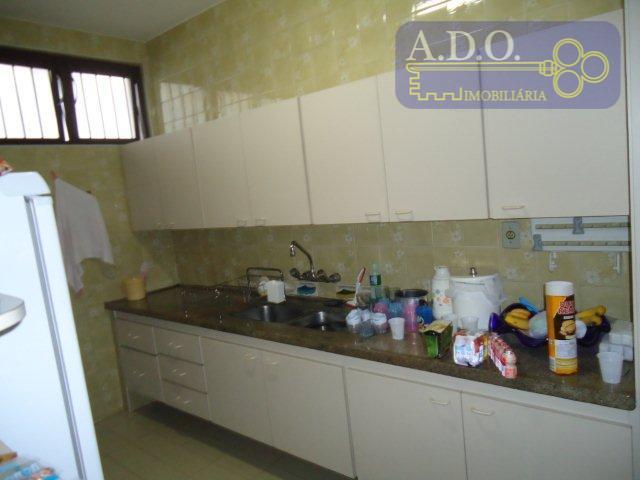 casa com 04 dormitórios com ae (01 com suite e clouset) - 02 banheiro social -...