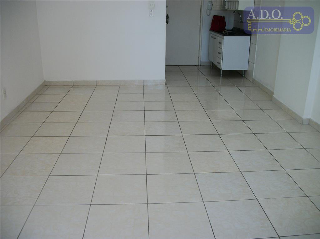 kitinetão amplo: hall de entrada (cozinha), sala / dormitório, banheiro, área de serviço - sem garagem...