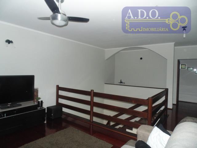 sobrado de 4 dormitórios sendo 01 suite com hidro / closet.+ 02 dormitórios com guarda roupa...