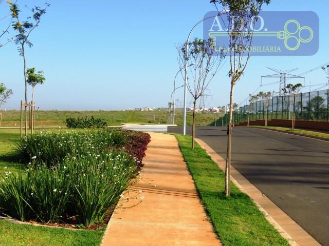 localização privilegiada!!! área verde definitiva à esquerda do terreno, rua sem saída (pouca circulação de veículos...
