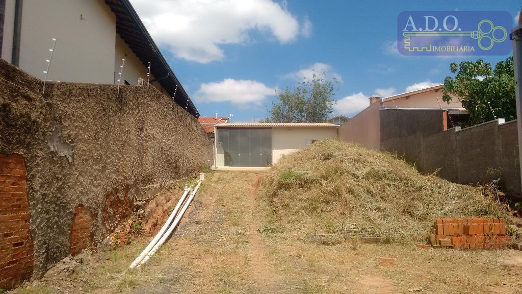 amplo terreno de 350,00m² com uma contrução no fundo do terreno com uma dormitório, banheiro social,...