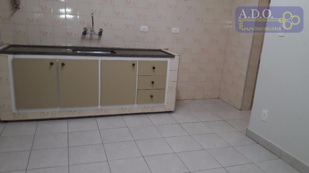 03 dormitórios com ae, piso tacão de madeira - sala para 2 ambientes amplos, piso frio...