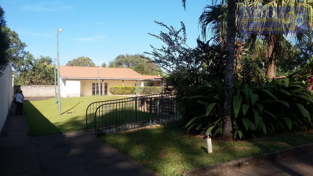 condomínio fechado alto padrão(vale do itamaracá)-1000m2;edicula de 100m2,construída no fundo do terreno , varanda;sala;banheiro;cozinha;churrasqueira; piscina de...
