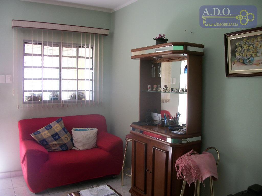 vila marieta/ casa frente: sala; 2 dormitórios; cozinha; copa; banheiro; quintal.casa fundo: varanda; sala; 1 dormitório;...