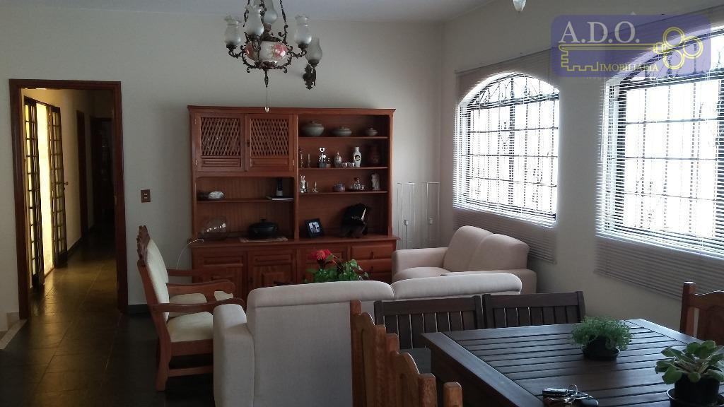 sobrado: pavimento térreo- garagem para 3 carros; ampla sala; escritório; lavabo.pavimento superior: sala para 3 ambientes;...