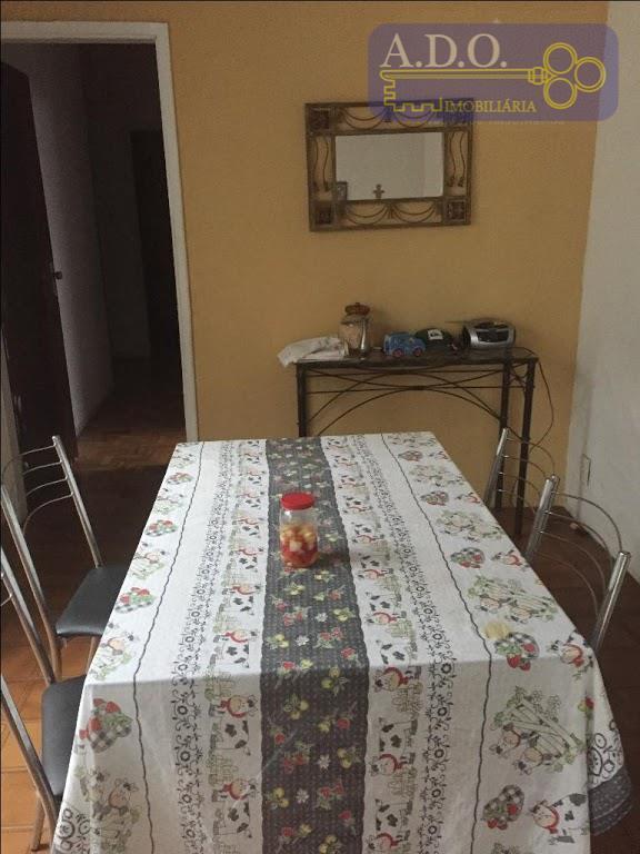 casa em ótima localização no taquaral.* 3 dormitórios sendo 1 suíte* sala de tv* copa /...