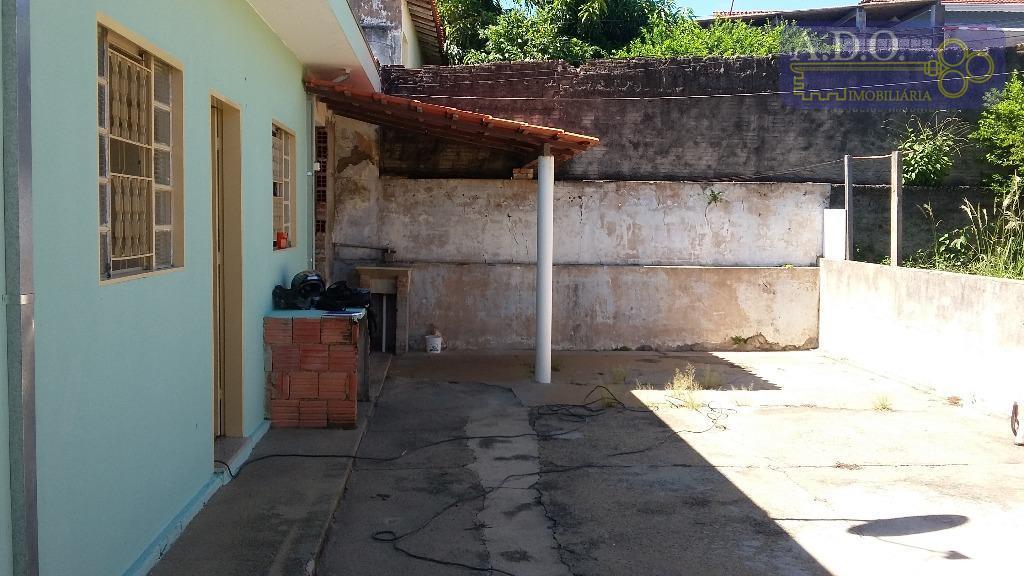 saida para valinhos/ tv campinas/casa de: 1 dormitório; 1 sala; 1 banheiro; 1 cozinha; área de...