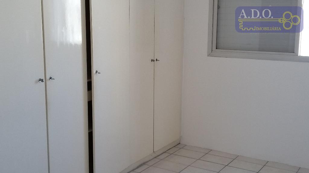 centro/rua barreto leme/próximo igreja do carmo -sala ampla; 1 dormitório; banheiro privativo; cozinha/área de serviço; garagem...