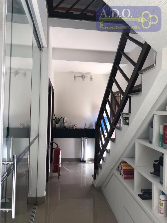 casa residencial e amplo sobrado.* sala 2 ambientes* lavabo* sala de jantar* 5 dormitórios sendo 4...