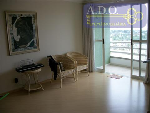 taquaral- próximo ao liceu/ andar alto, vista panorâmica, sala p/ 2 ambientes c/ sacada(sol da manhã),...