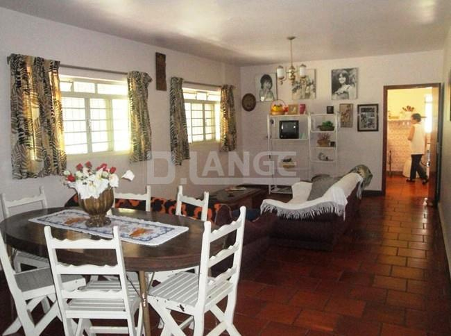Chácara de 4 dormitórios em Cascata, Araras - SP