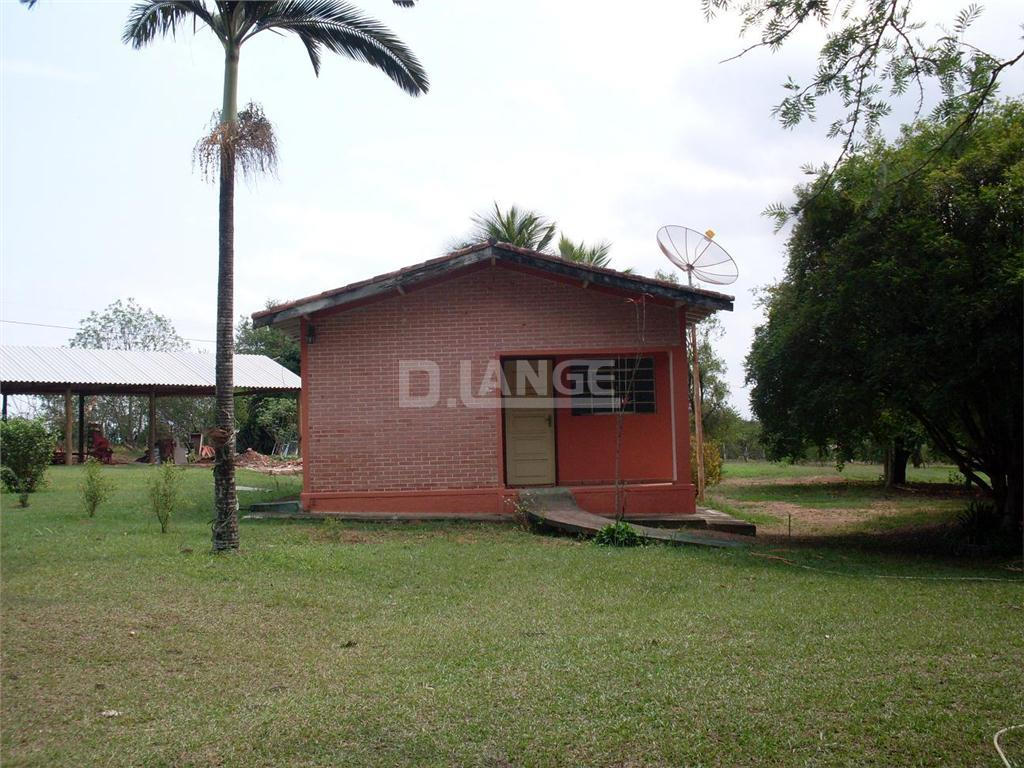 Chácara de 3 dormitórios em Tanquinho, Mogi Mirim - SP