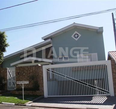 Casa de 4 dormitórios em Parque Terranova, Valinhos - SP