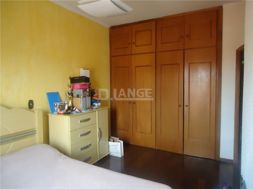 Casa de 4 dormitórios em Vila Nogueira, Campinas - SP