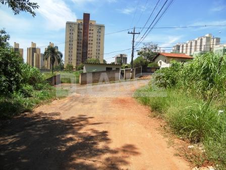 Terreno em Mansões Santo Antônio, Campinas - SP