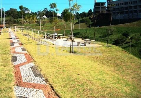 Casa de 3 dormitórios em Vila Brandina, Campinas - SP