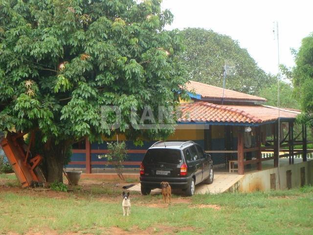 Sítio de 4 dormitórios em Cambará, Elias Fausto - SP