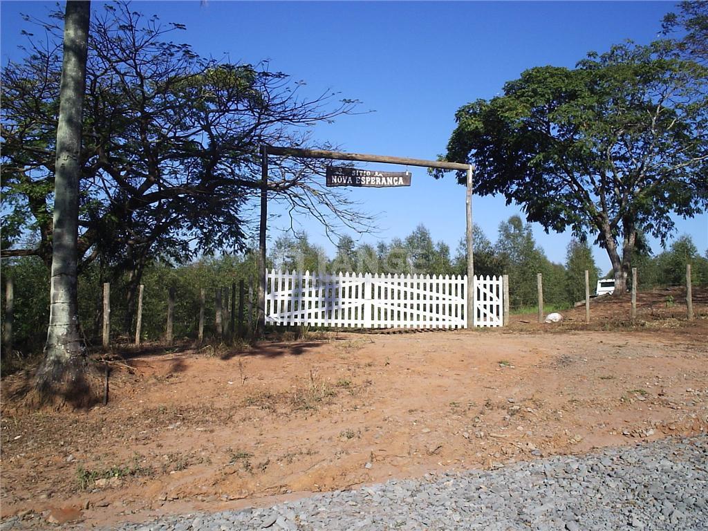 Sítio de 2 dormitórios em Zona Rural, Artur Nogueira - SP