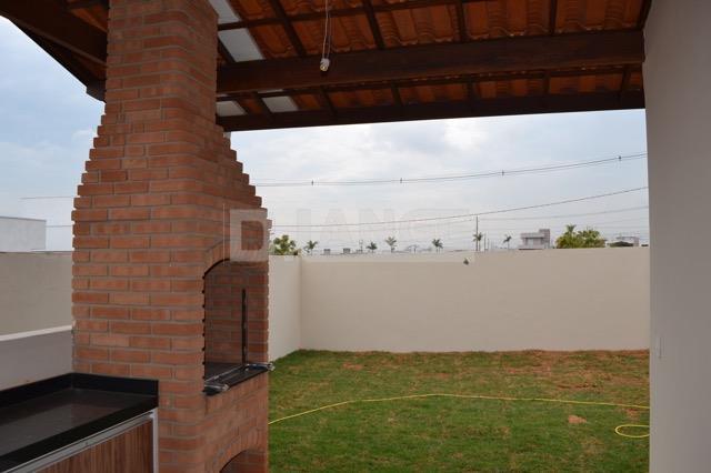 Casa de 3 dormitórios em Condomínio Real Park, Sumaré - SP