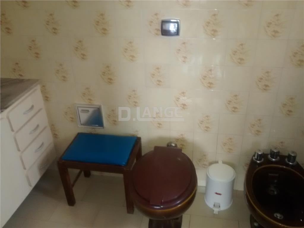 Casa de 3 dormitórios em Vila Nogueira, Campinas - SP