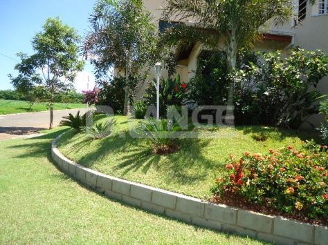 Casa de 4 dormitórios em Jardim Fortaleza, Paulínia - SP