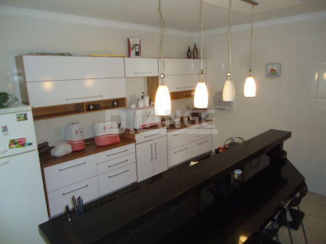 Casa de 3 dormitórios em Roncáglia, Valinhos - SP