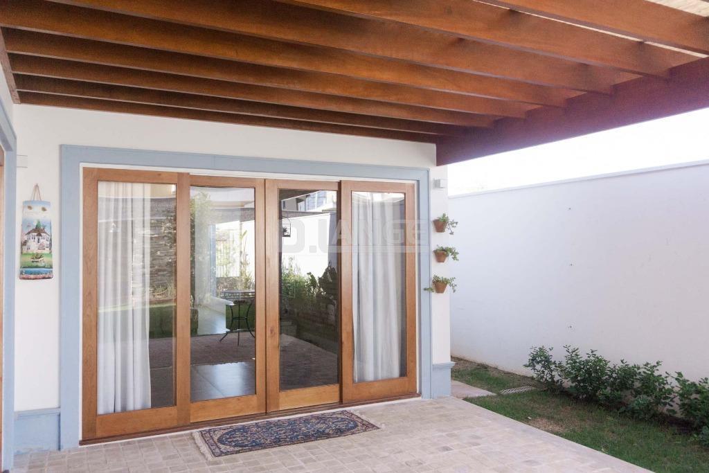Casa de 3 dormitórios em Vila Bressani, Paulínia - SP