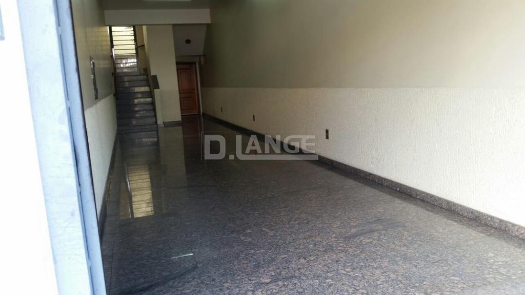 Casa de 3 dormitórios à venda em Centro, São João Da Boa Vista - SP