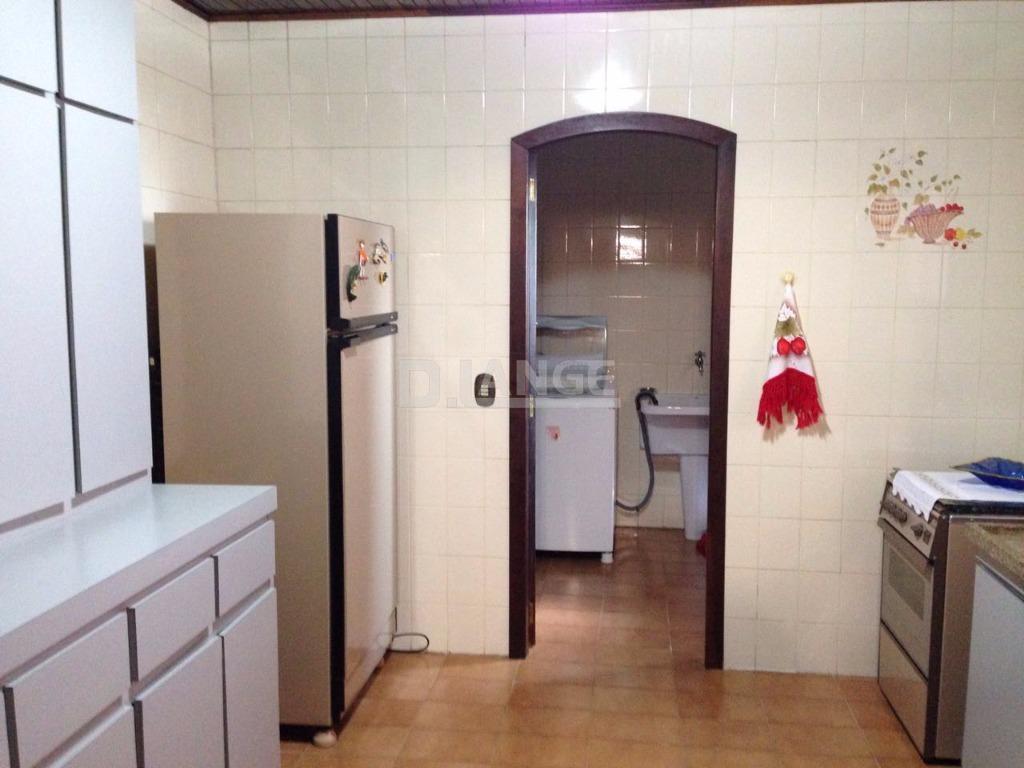 Casa de 3 dormitórios em Condomínio Estância Marambaia, Vinhedo - SP
