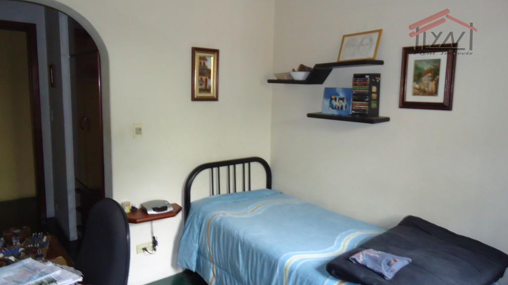 casa com 5 vagas, 3 dorms, (1 suite) sl de festas, churrasqueira, quintal, edicula, estilo colonial,...
