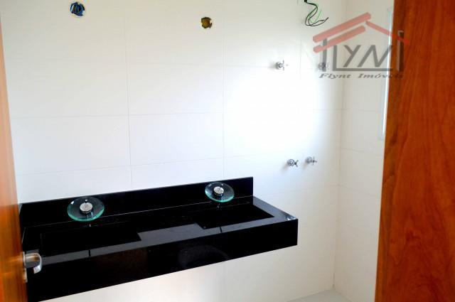 casa com 260m, fino acabamento em cotia. com 4 suites, living com 3 ambientes, 4 vagas,...