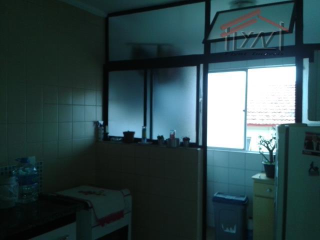 apartamento em condomínio na vila iório, 2 dormitórios, sala, cozinha, banheiro, área de serviço, 1 vaga....