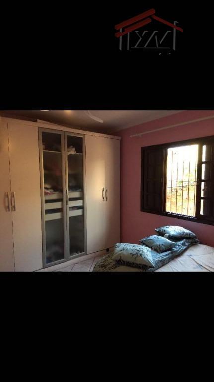 casa linda,com 3 suítes, 220 metros, churrasqueira, sala ampla,cozinha com armários embutidos, vaga para 3 carros,...