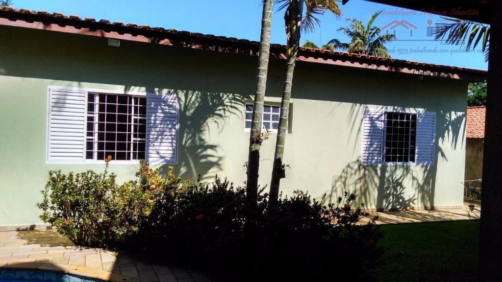 4 dormitórios c/ae, com sendo 2 suítes, sala estar e jantar , cozinha planejada, lavabo, banheiro...