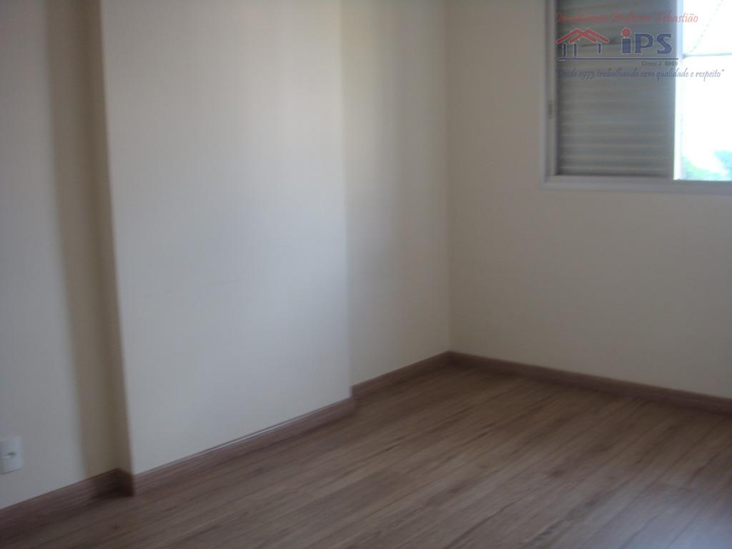 3 dorms, sendo uma suite, banheiro social, sala ampla com sacada, cozinha com ae, aquecimento a...