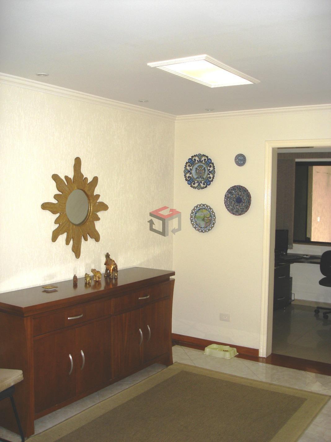 Sobrado de 4 dormitórios à venda em Vila Metalúrgica, Santo André - SP
