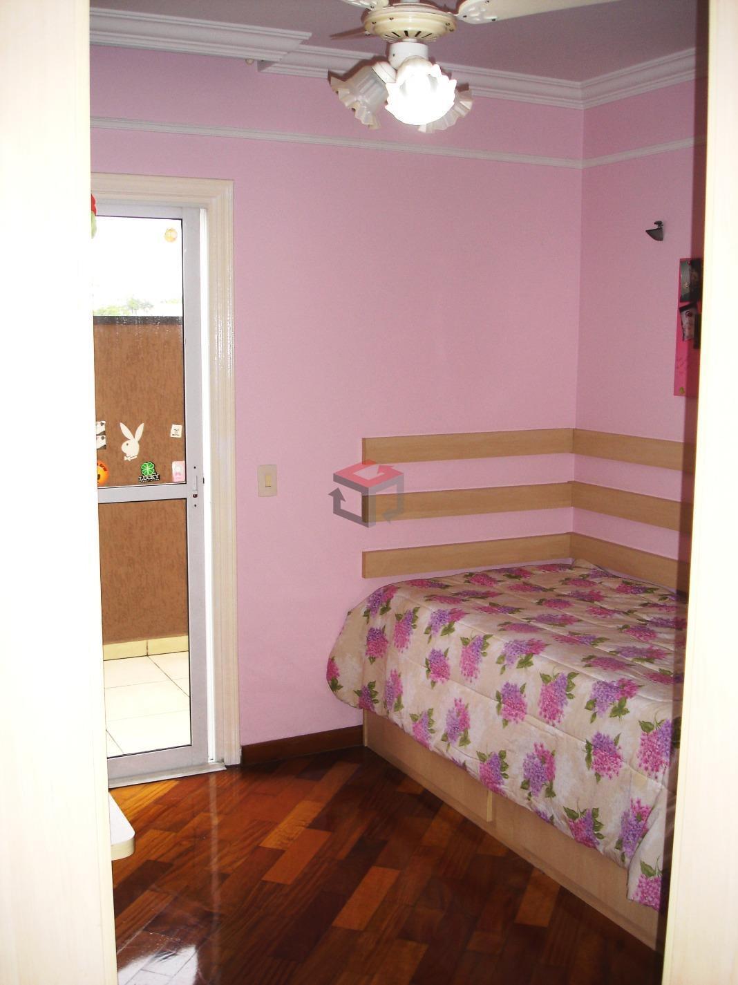 Sobrado de 4 dormitórios em Vila Metalúrgica, Santo André - SP