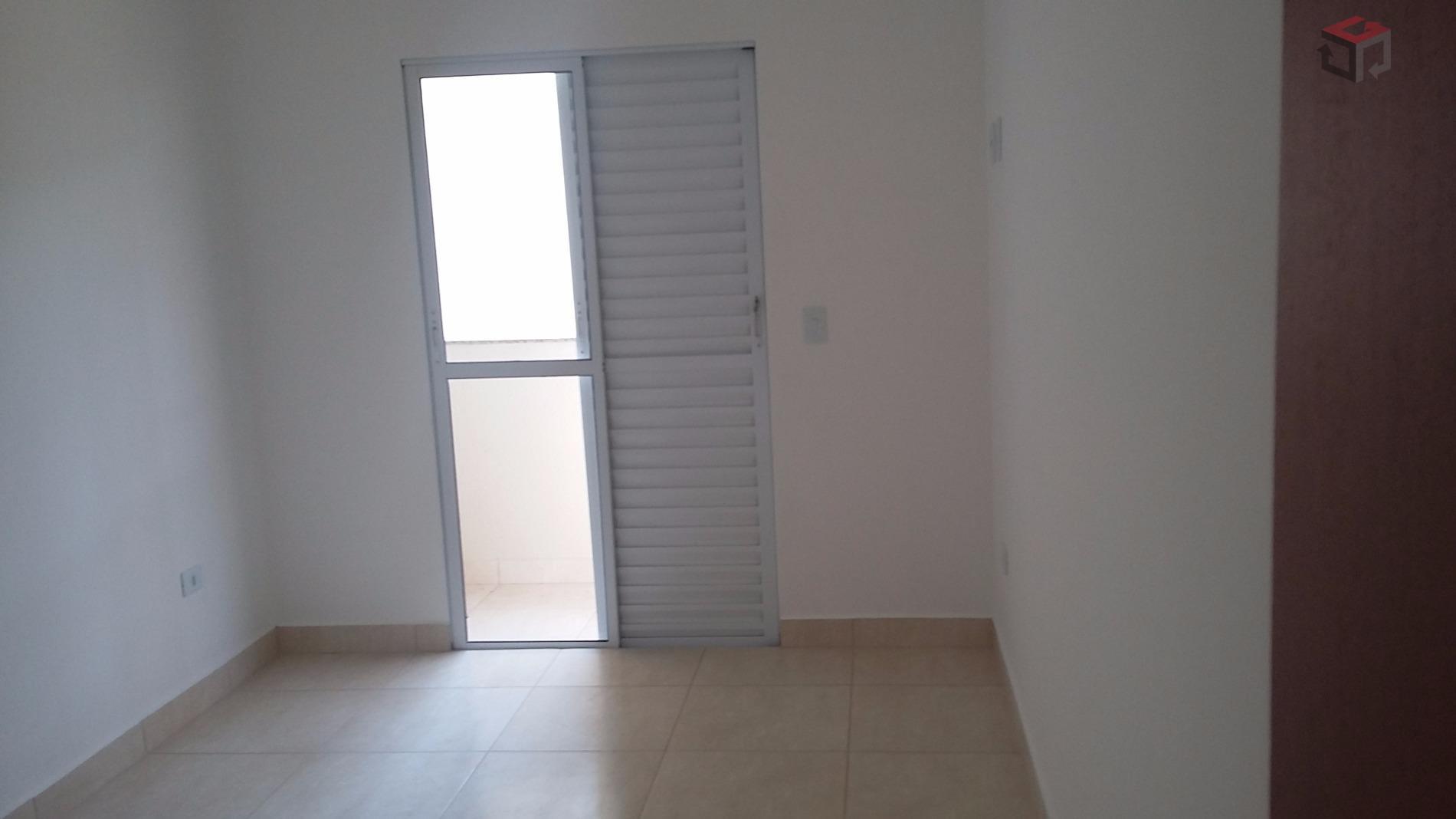 Cobertura de 2 dormitórios em Vila Palmares, Santo André - SP